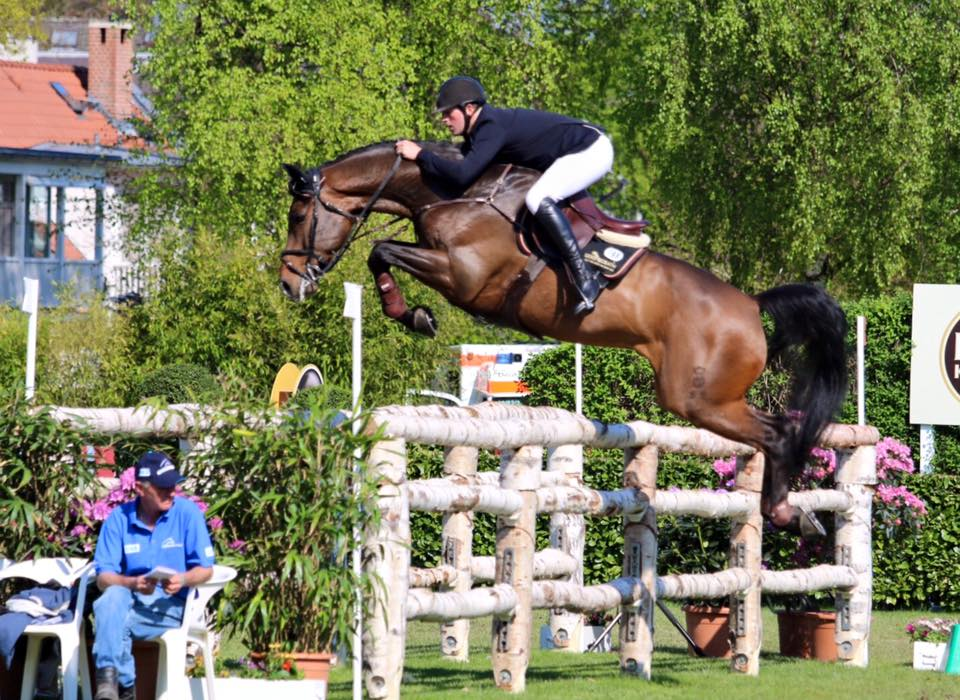 Hendrik And Quel Chanel Win The Hamburg Speed Derby